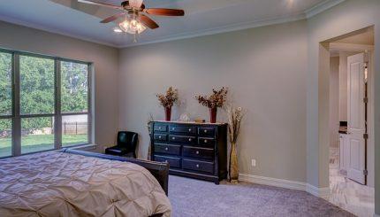 Cum alegi cea mai potrivită comodă pentru dormitor